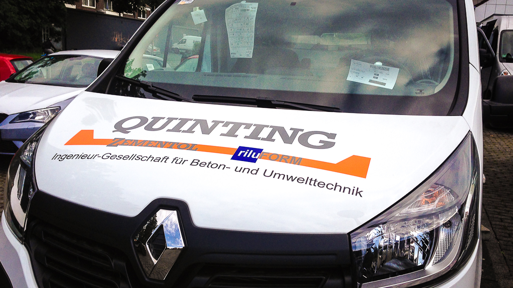 Beschriftung - Renault Trafic Front Quinting Zementol